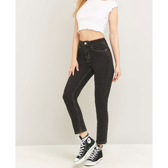 ea3088e2a321bf Urban Outfitters BDG Black Girlfriend Jeans. M_5b70ec411299552264c465cd